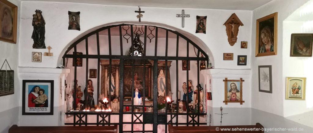 Altar der Kesselboden Kapelle am Igleinsberg Prackenbach