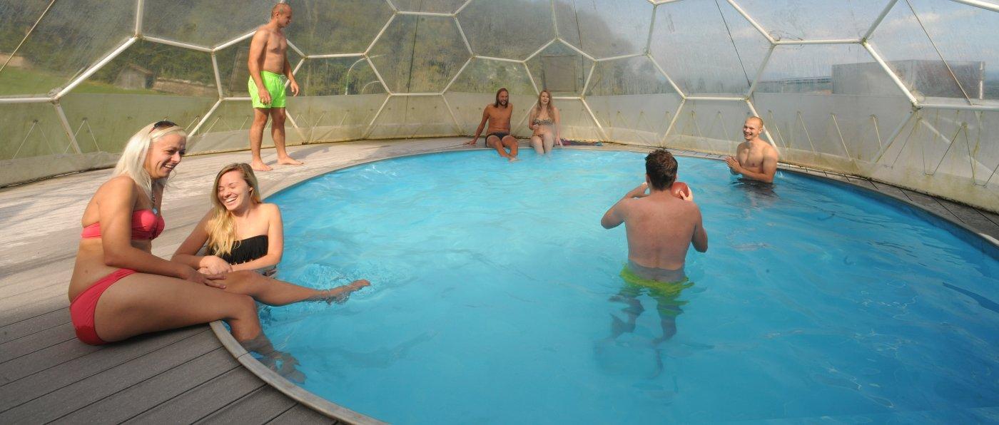 pröller-berghütten-mit-swimming-pool-bayerischer-wald-eventlocation