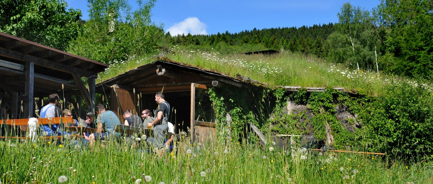 pröller-erdhütte-niederbayern-partylocation-bayerischer-wald-abenteuer