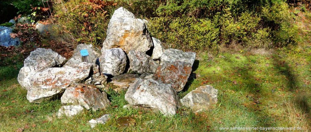rabenstein-quarzbruch-hennenkobel-mineralien-sammeln-rundweg