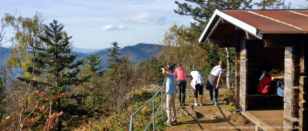 Wandern zum Berg Hennenkobel bei Zwiesel Rabenstein