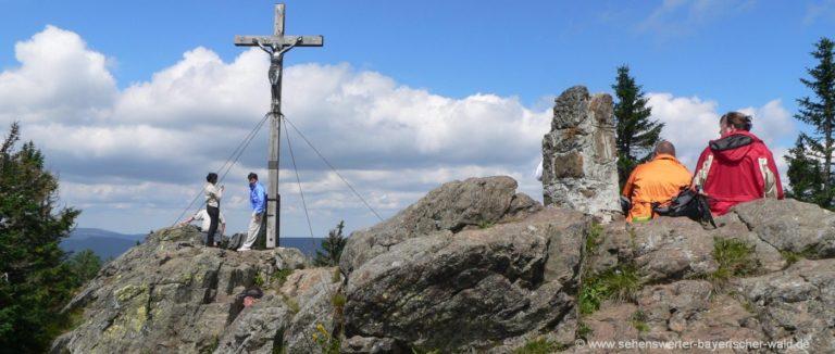 rachel-berg-wandern-gipfelkreuz-nationalpark-bayerischer-wald