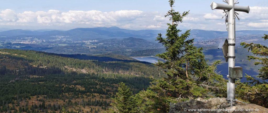 Rachel Rundwanderweg - Gipfelkreuz kleiner Rachel Aussichtspunkt