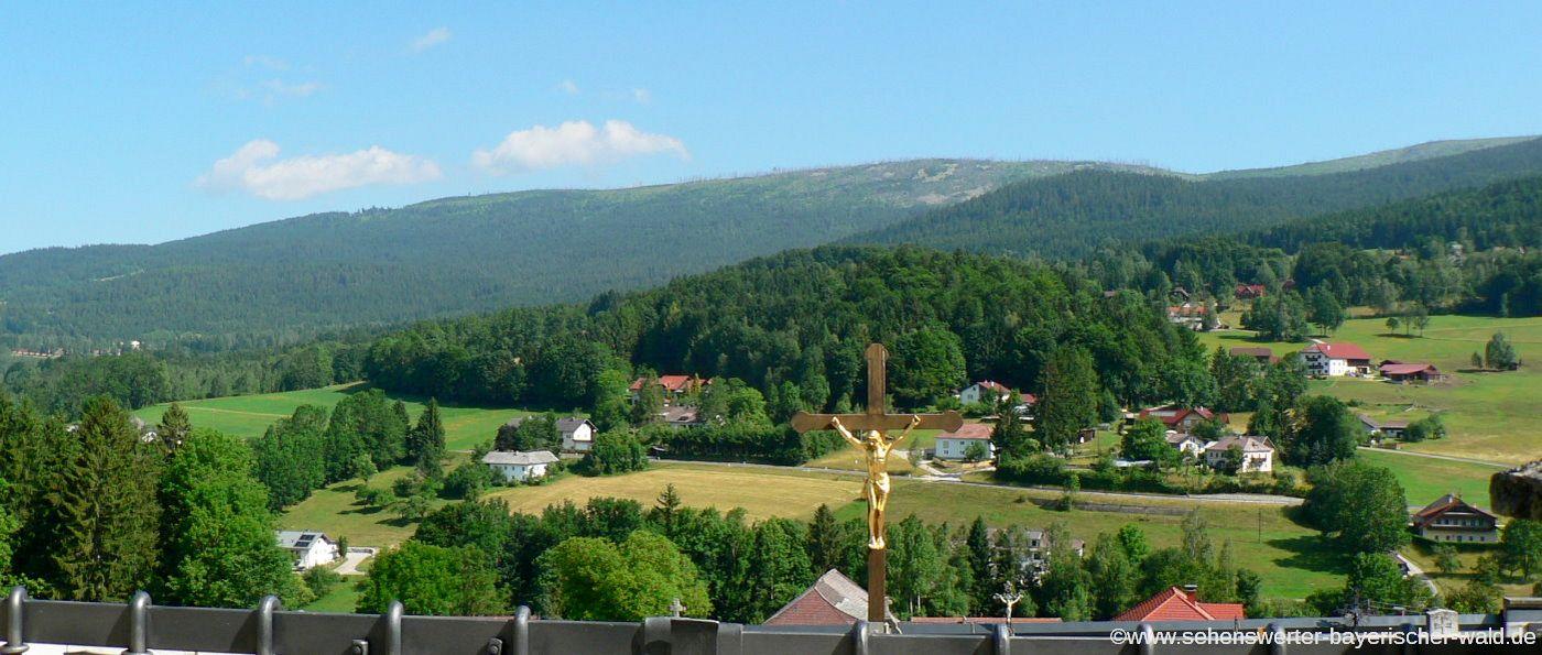 Radwege Freyung Grafenau Dreiländer-Radweg Deutschland Tschechien & Österreich - Ausblick in Schwarzenberg im Böhmerwald