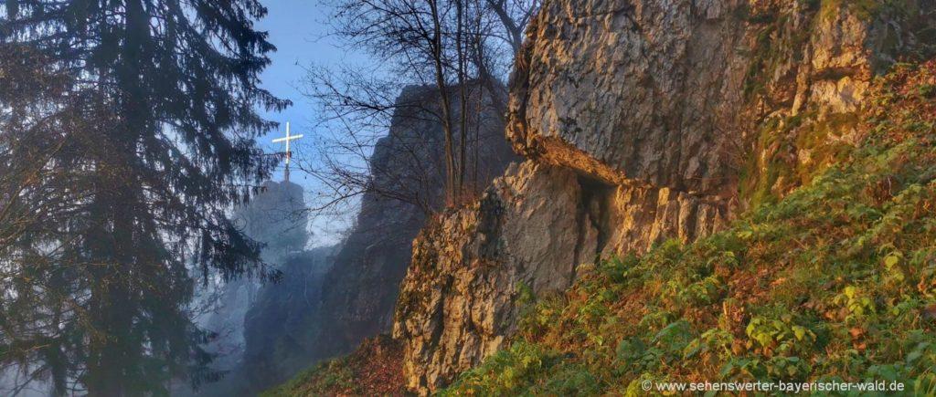 Gipfelkreuz am Pfahlfelsen Stadt Regen