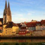 regensburg-stadt-sehenswürdigkeiten-steinerne-brücke-dom-highlights