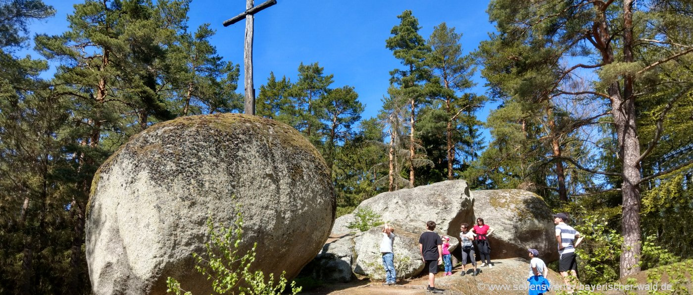 Sehenswürdigkeiten bei Reichenbach Pfaffenstein Naturdenkmal Bayerischer Wald