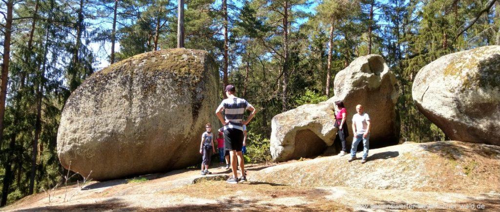 Wandern zum Pfaffenstein ab Wald Ausgangspunkt kurzer Wanderweg zum Naturdenkmal
