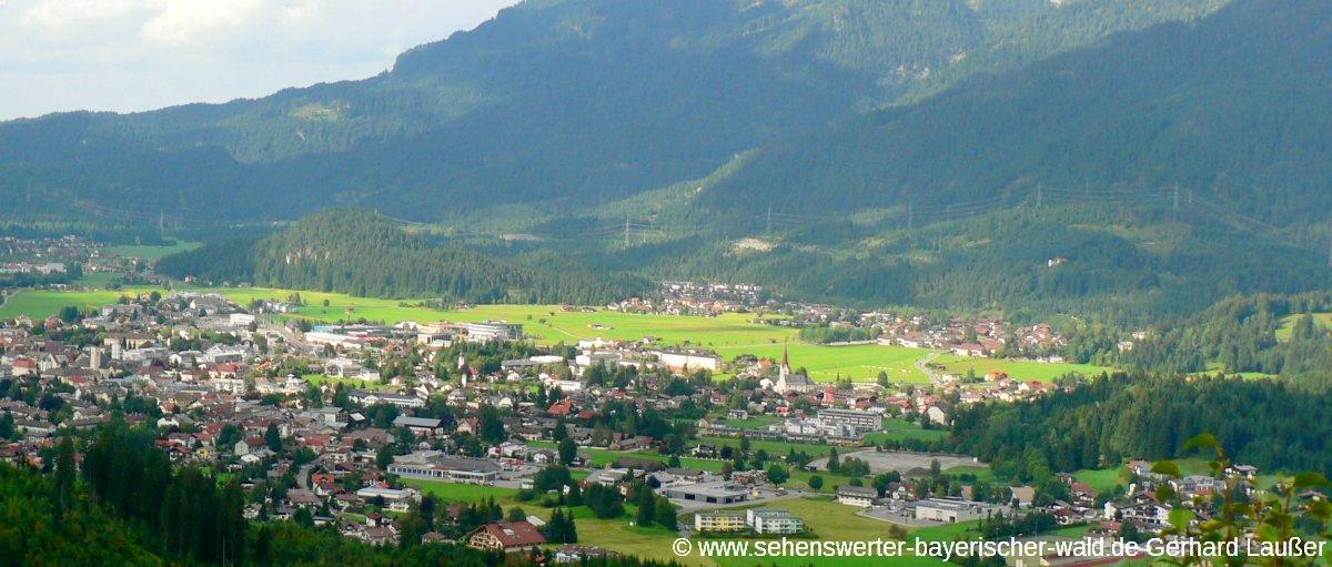 reutte-tirol-blick-auf-stadt-panorama-1200