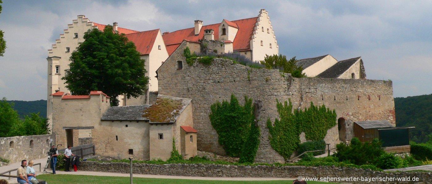 Altmühltal Sehenswürdigkeiten in Riedenburg Schloss Rosenburg