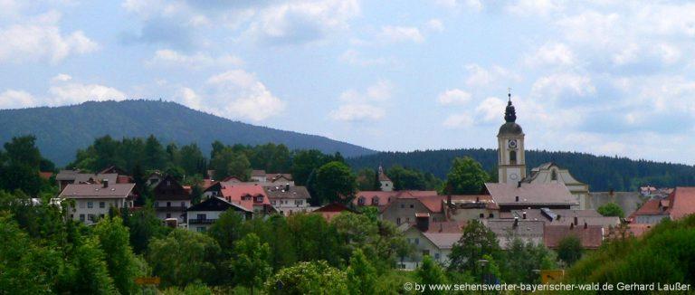 rinchnach-bayerischer-wald-ausflugsziele-ortsansicht-kirche