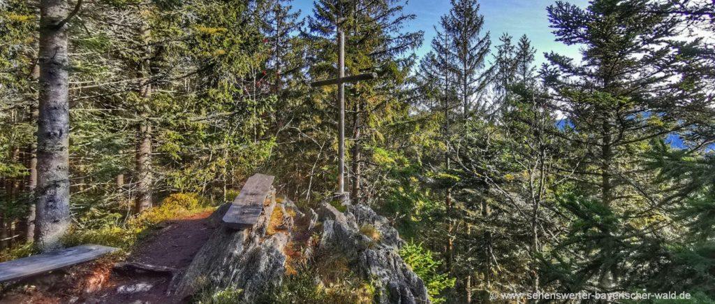 Rittsteig Rundweg Zwieseleck Gipfelkreuz Neurittsteiger Wasserscheide Grenze