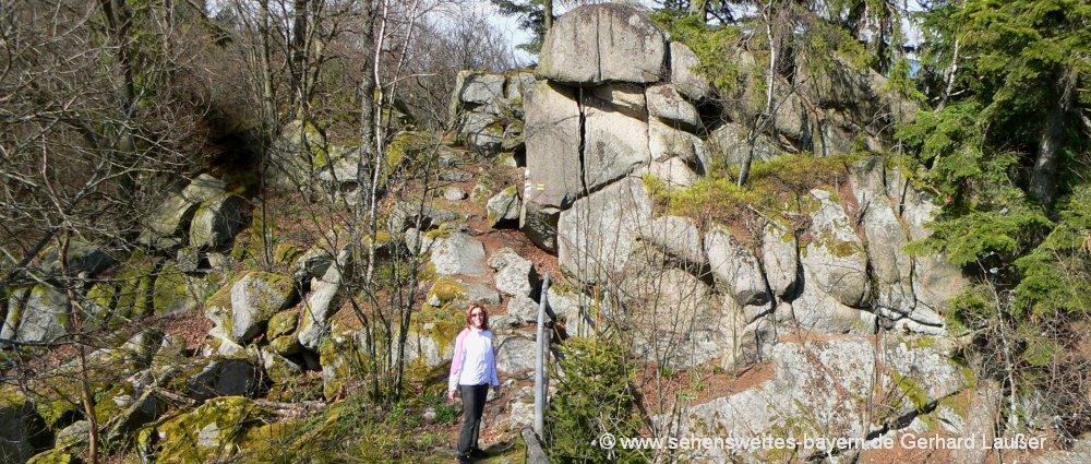 roetz-schwarzwihrberg-wanderung-steinerne-wand-felsen-oberpfalz-panorama-1000