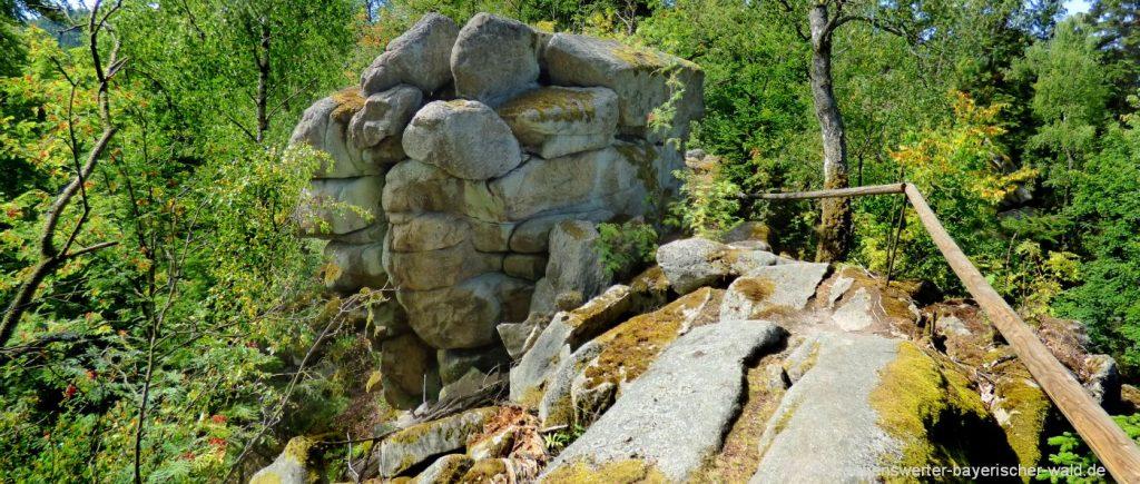 rötz-steinerne-wand-wanderung-schwarzwihrberg-felsenpfad