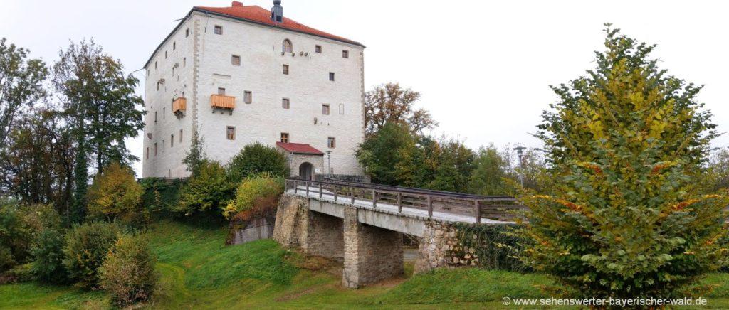 Sehenswürdigkeiten in Saldenburg Ausflugsziele im Dreiburgenland