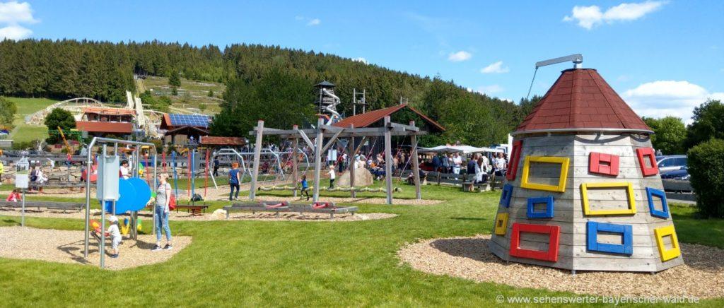 Bewegungspark in Sankt Englmar mit Geschicklichkeitsparcours für Kinder und Erwachsene