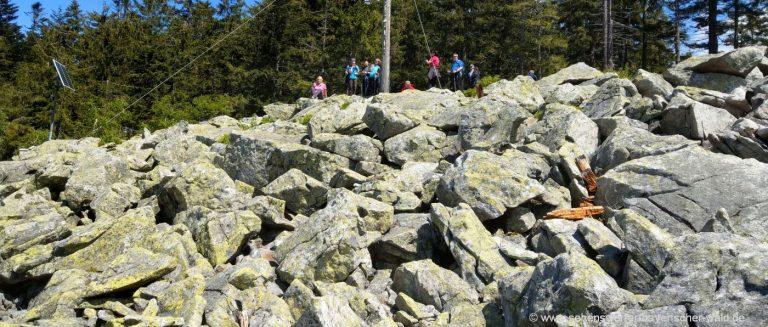 sankt-englmar-käsplatte-bergwanderung-niederbayern-felsenmeer