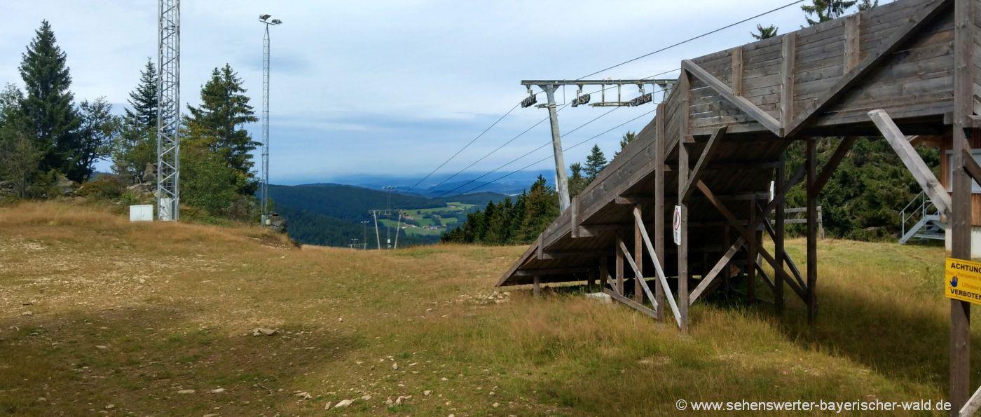 sankt-englmar-predigtstuhl-skilift-aussichtspunkt-wandern