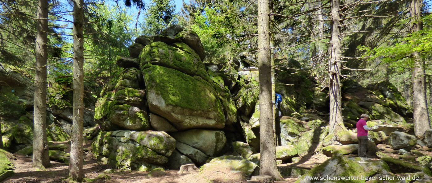Steinformation Räuber Heigl Höhle, Froschmaulfelsen & Knögöstoa