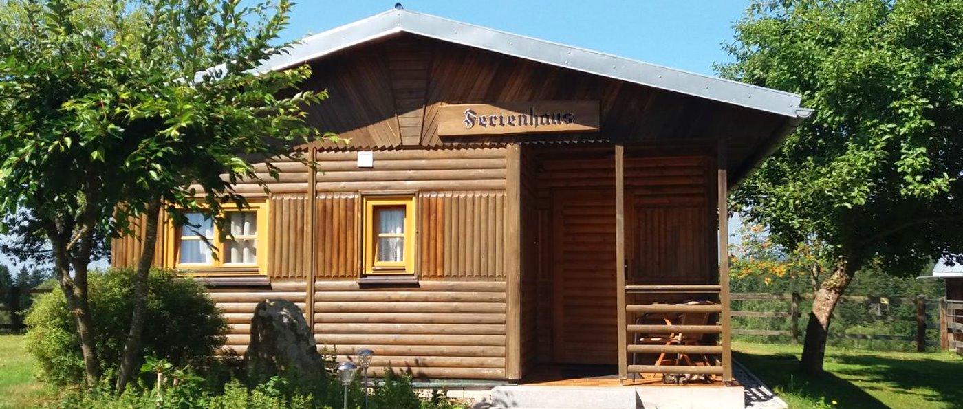 schanzer-blockhaus-am-see-mieten-bayern-blockhütten