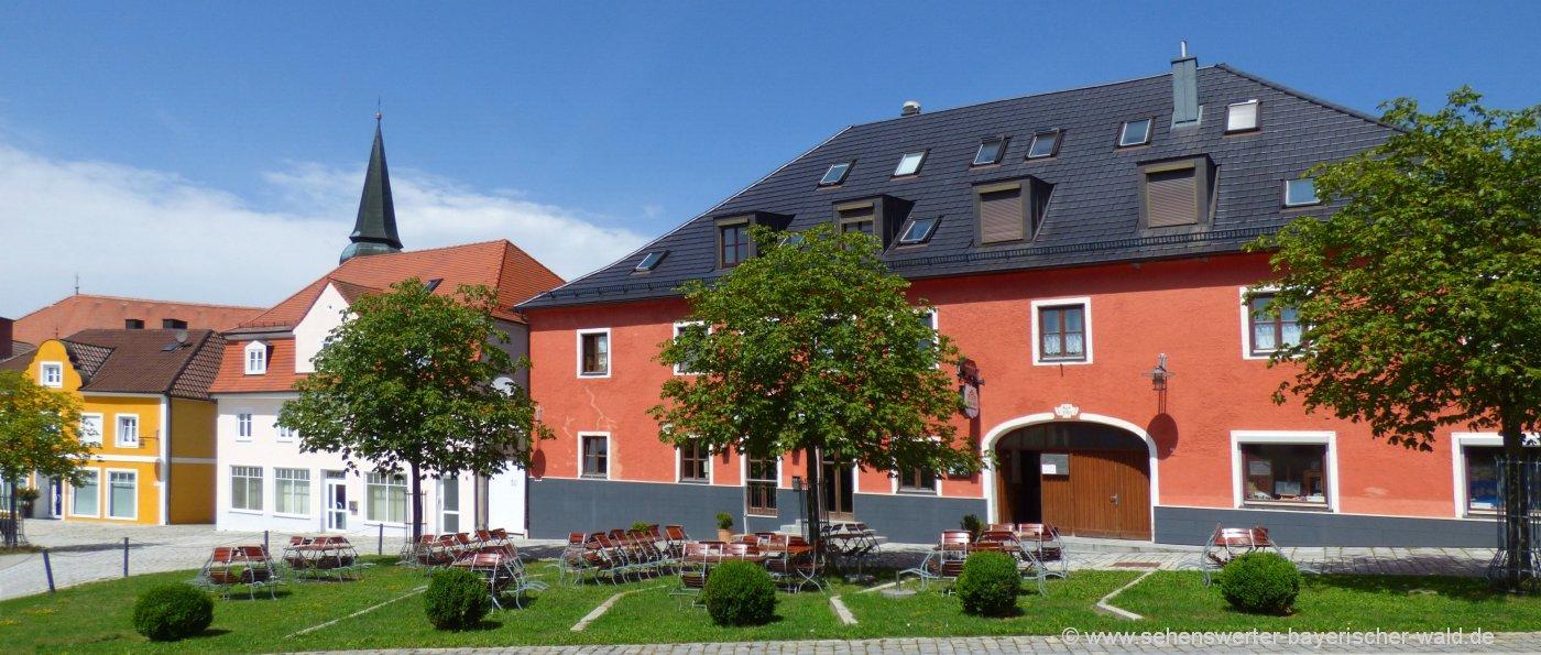 simbach-bei-landau-ausflugsziele-sehenswürdigkeiten-ort-kirche