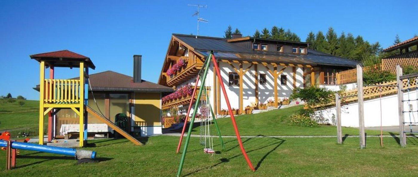 Ferienhaus im Dreiländereck Bayerischer Wald mit Kinderspielplatz
