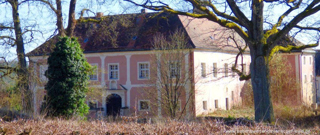 Sehenswürdigkeiten in Stamsried Ausflugsziele und Schloss