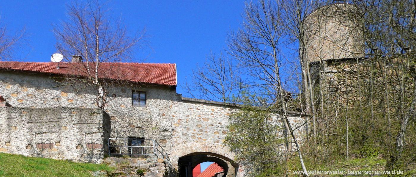 thanstein-burgruine-neunburg-vorm-wald-burgturm-burgtor
