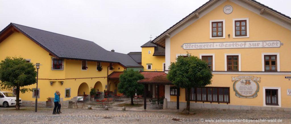 thurmannsbang-dorfplatz-ausflugsziele-niederbayern-gasthof-panorama-1400