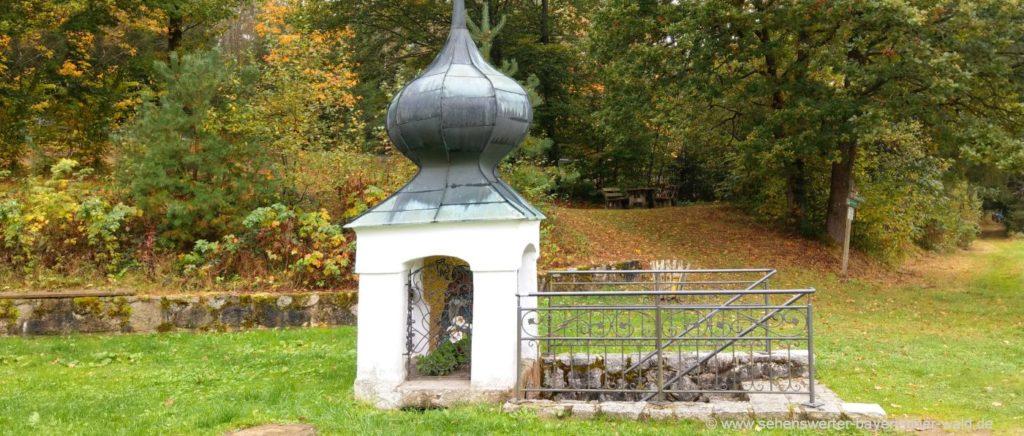Ausflugsziele in Thurmansbang Sehenswürdigkeiten Bründl Kapelle in Goben