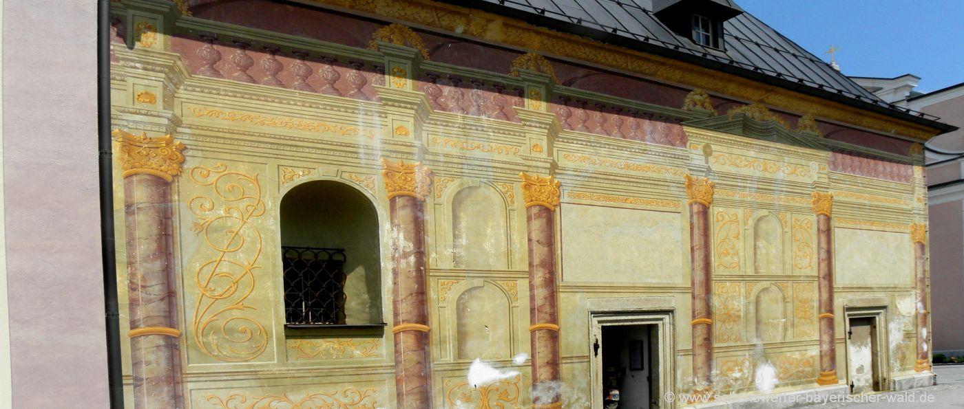 Ausflugsziele in Thyrnau bei Passau Kapelle mit Wandmalerei