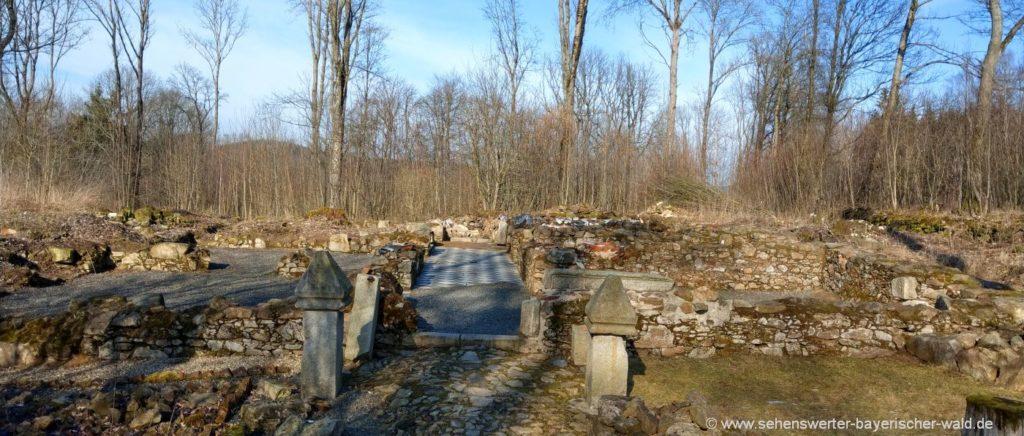 Tschechien Grafenried Landkreis Cham Ruinen vom Dorf Lucina
