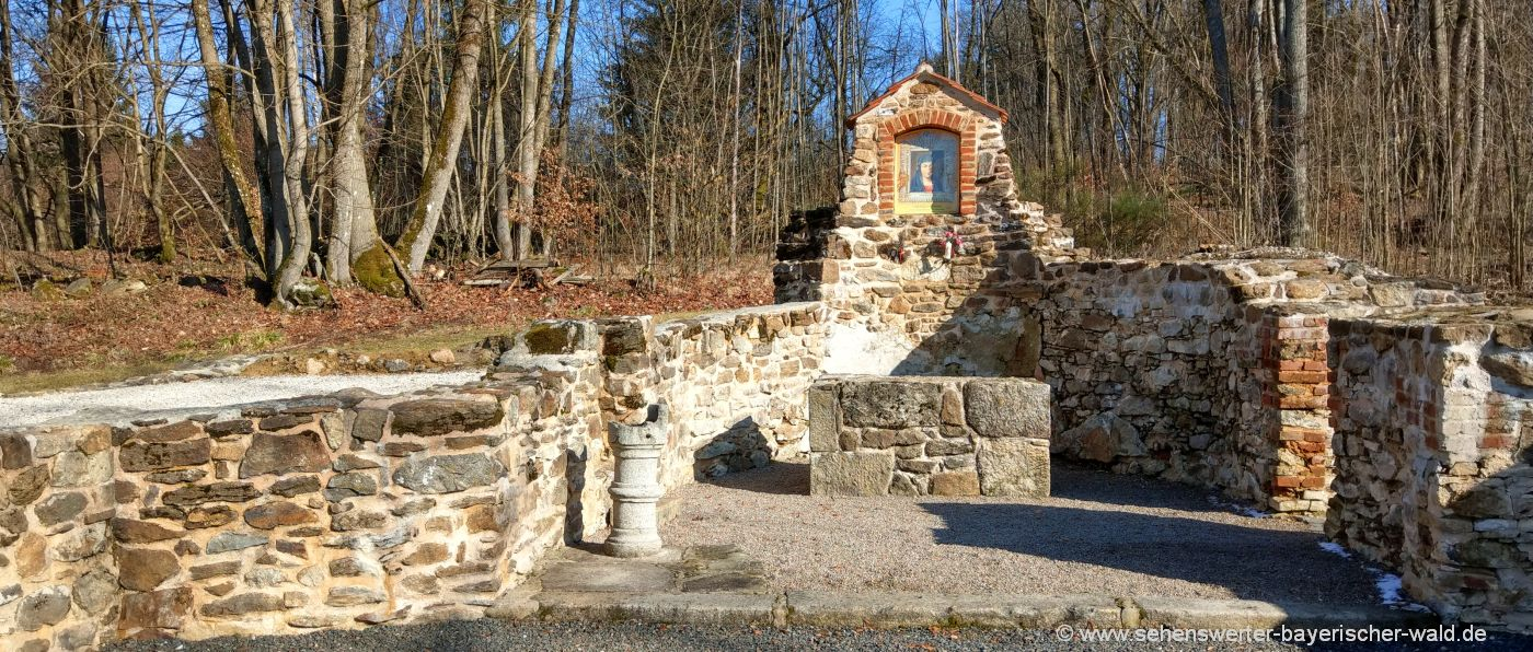 wandern zur Ausgrabungsstätte Grafenried Lučina Böhmerwald