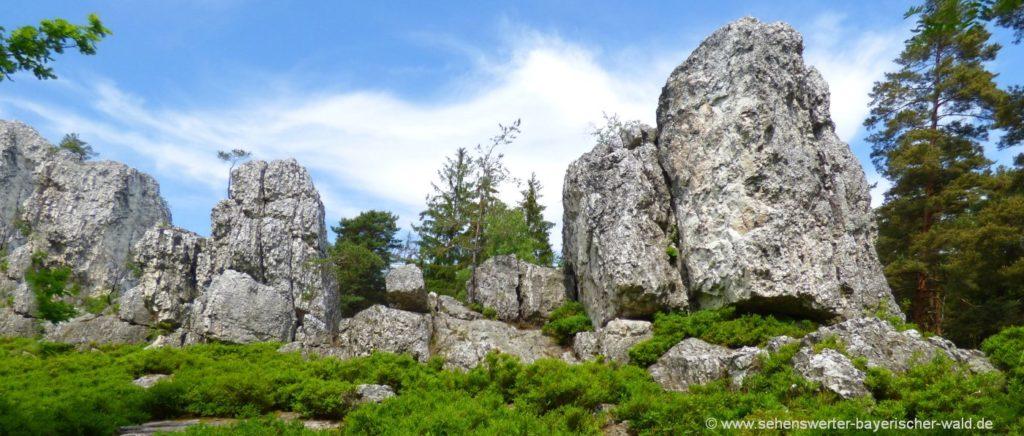 Für was ist der Bayerische Wald bekannt? grosser Pfahl Besonderheit bei Viechtach