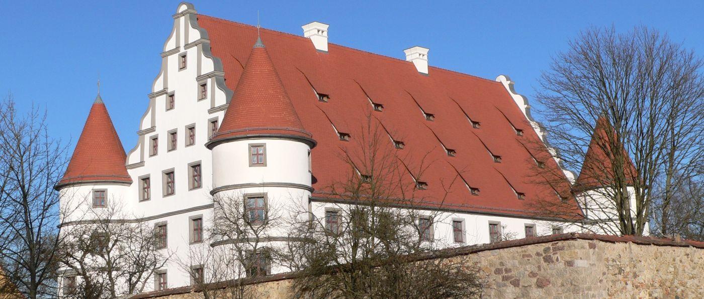 vohenstrauss-ausflugsziele-schloss-sehenswuerdigkeiten-friedrichsburg