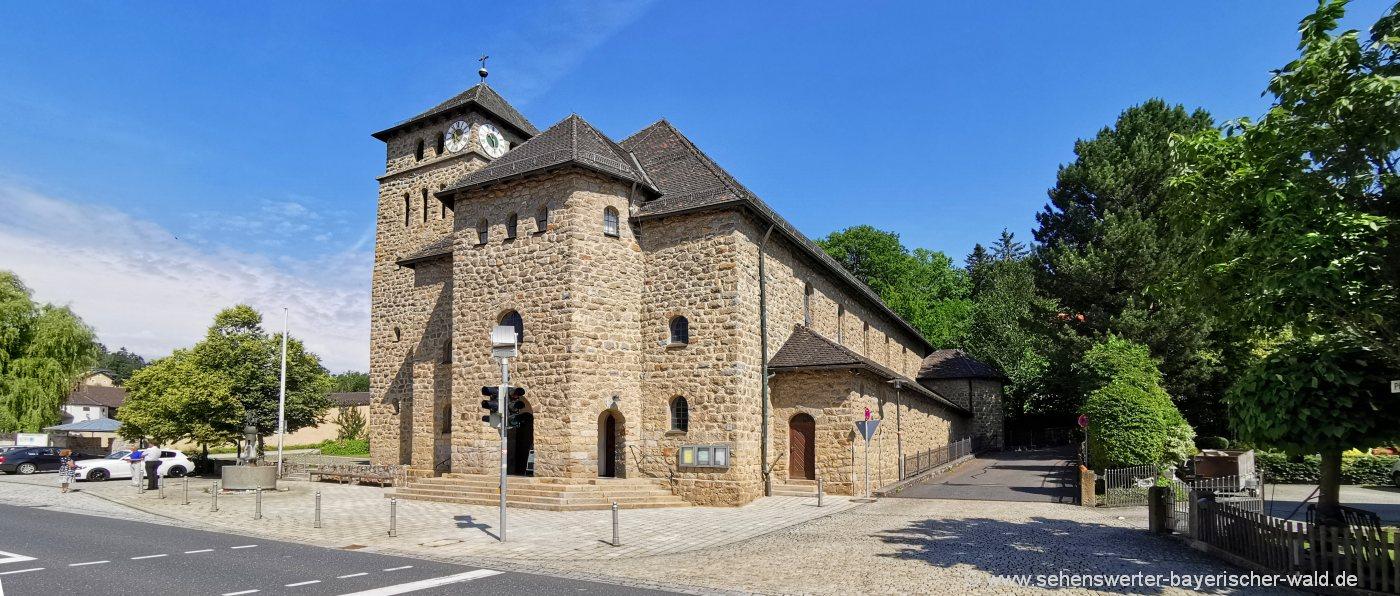 waffenbrunn-sehenswürdigkeiten-pfarrkirche-ausflugsziele