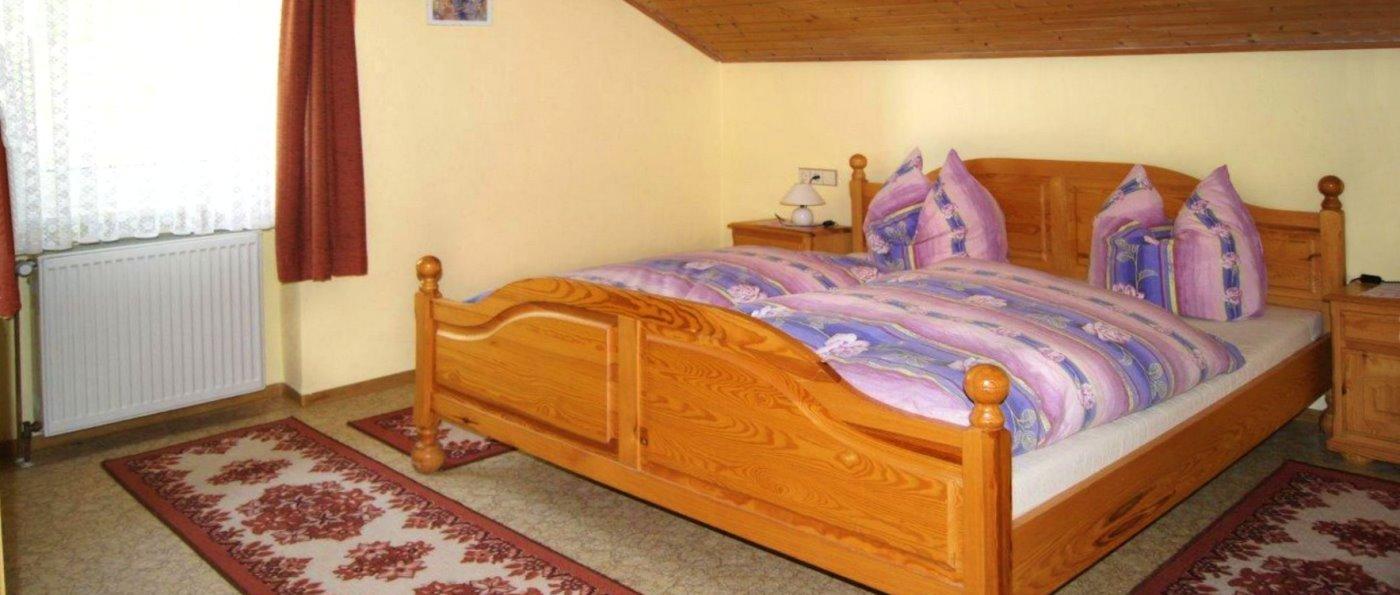 wagner-bauernhof-falkenstein-ferienwohnungen-schlafzimmer