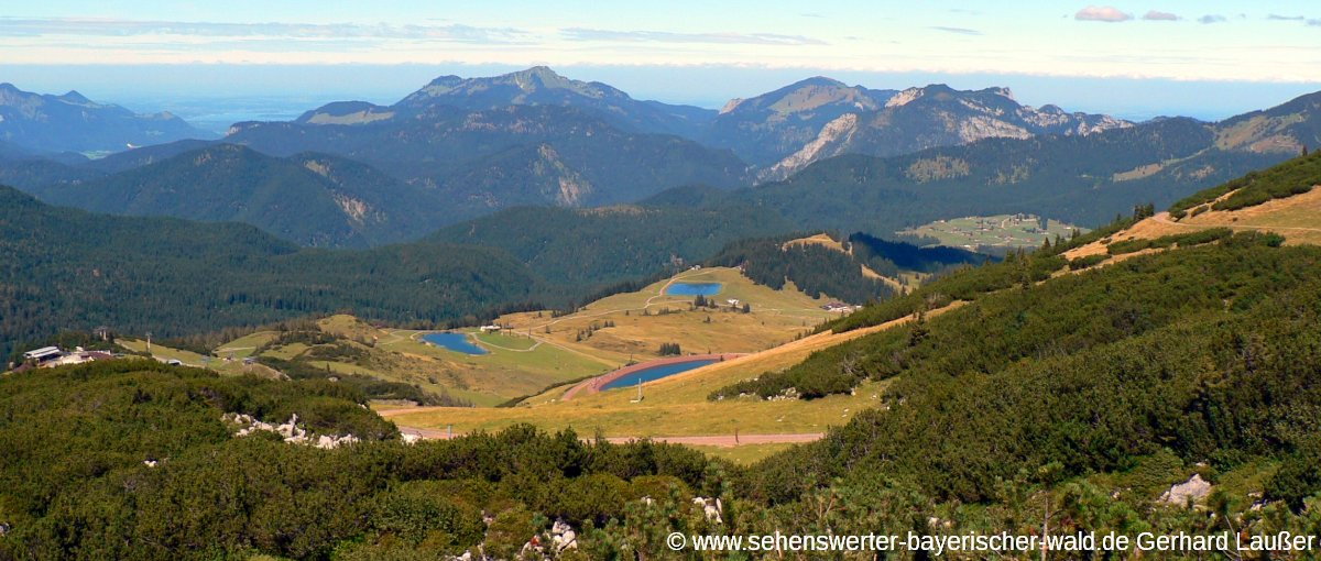 waidring-wandern-steinplatte-ausblick-berge-panorama-1200