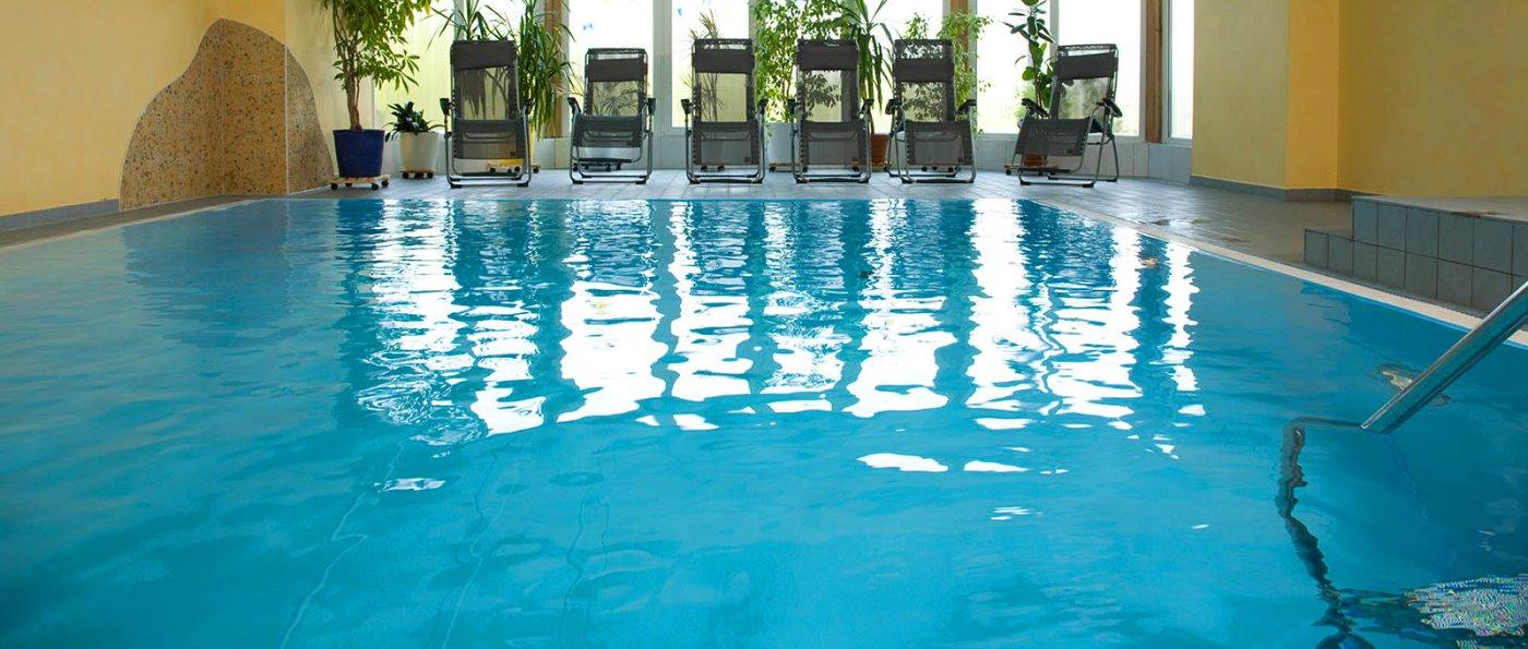 waldeck-hotel-wellnessurlaub-mit-hunde-erlaubt-swimming-pool