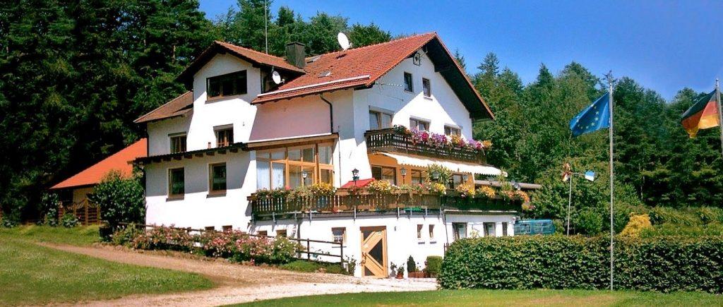 Biergarten am Rundweg Ränkam - Hotel Übernachtung mit Frühstück und Halbpension