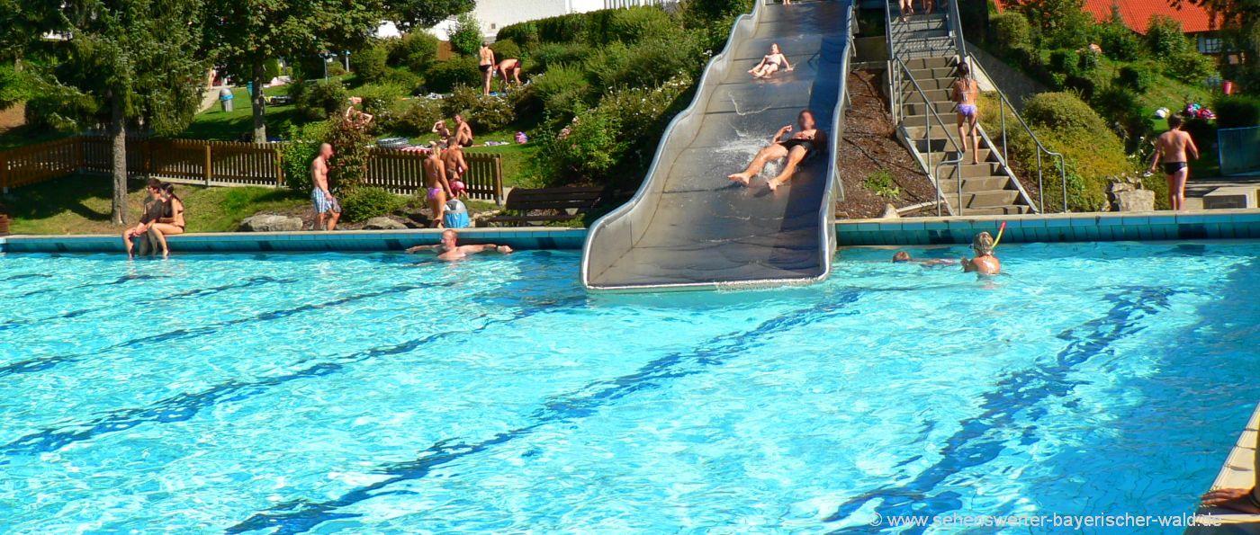 waldkirchen-karoli-badepark-niederbayern-schwimmbad-breitrutsche-freibad