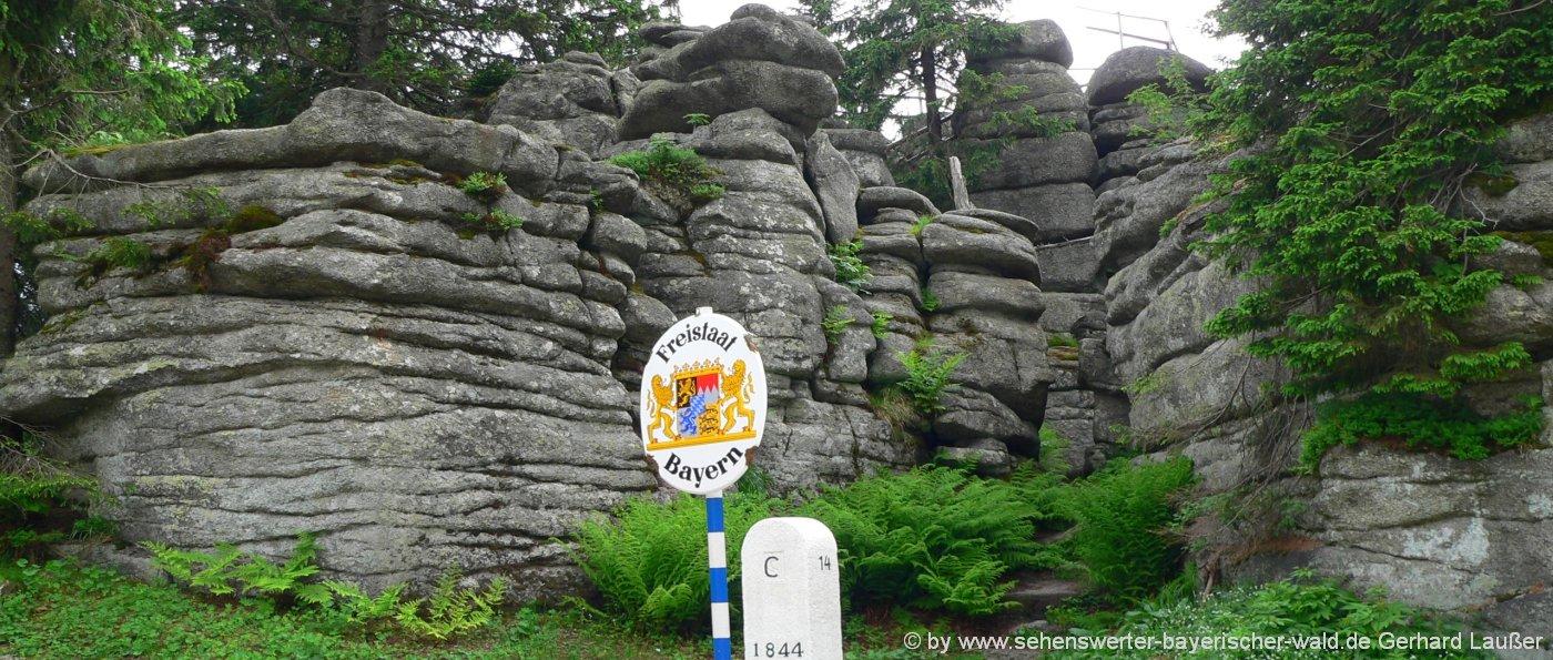 wandergebiet-dreisessel-wandern-ploeckenstein-felsen
