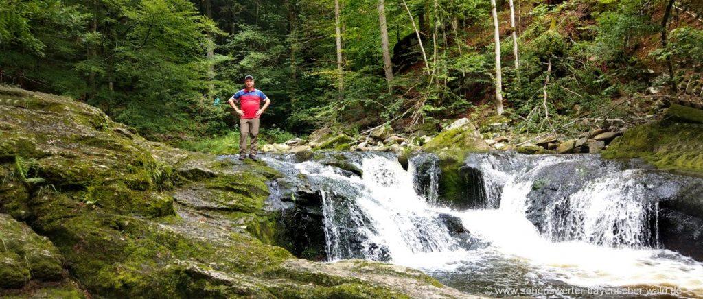 wanderungen-klamm-bayerischer-wald-wasserfall-wandern