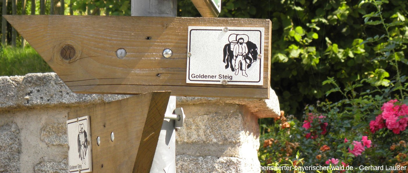 wanderwege-goldene-steige-bayerischer-wald-wegweiser-panorama-1400