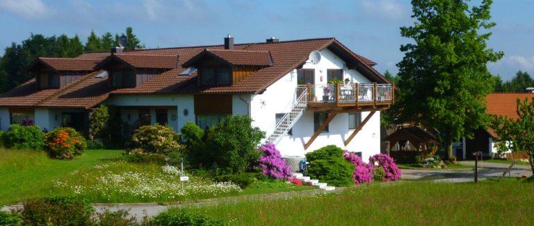 weber-ferienwohnung-mit-ponyreiten-bayern-ferienhaus