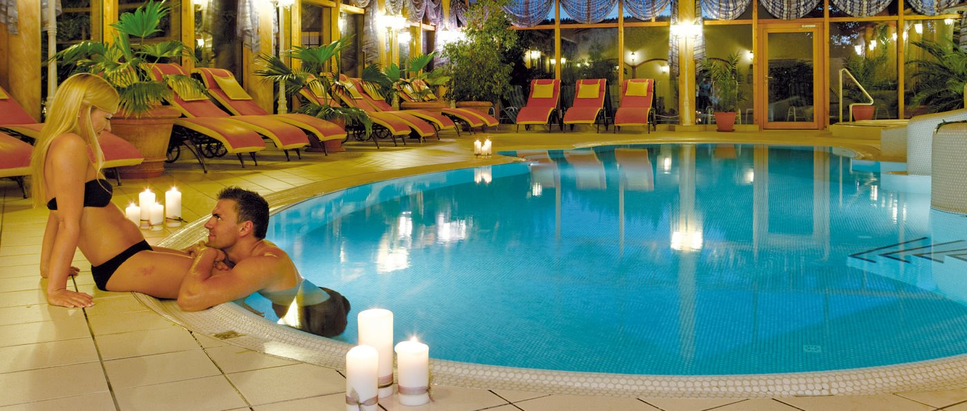 weber-zachenberg-wellnesshotel-geisskopf-tageswellness-schwimmbad