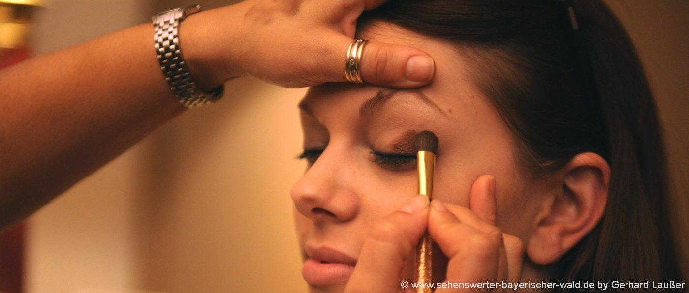 wellness-wochenende-frauen-bayern-wellnesstag-angebote-kosmetik-makeup