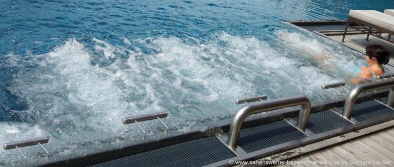 wellnessurlaub-bayerischer-wald-whirlpool-romantikwochenende