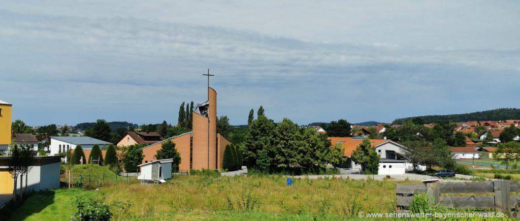Sehenswürdigkeiten in Willmering - Pfarrkirche und andere Ausflugsziele