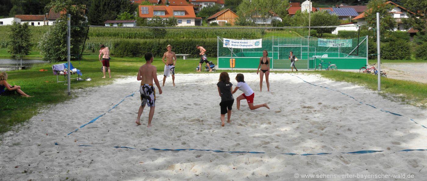 zell-abenteuerspielplatz-bayerischer-wald-beach-volleyball